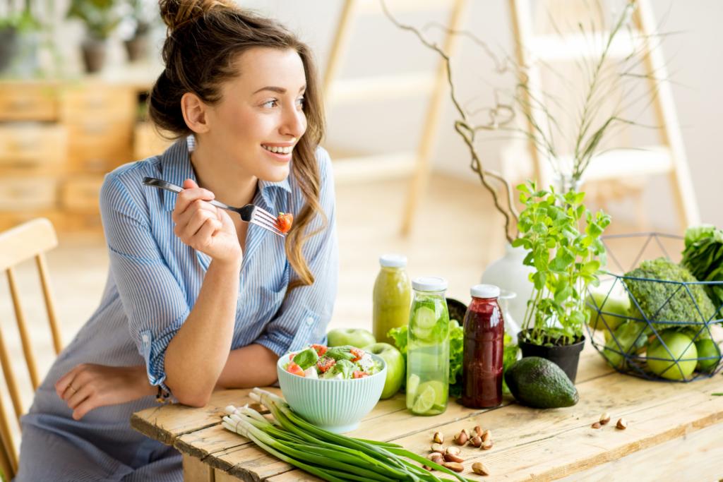 woman eating healthy foods